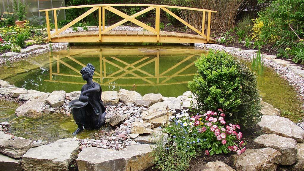 Aussengestaltung Vogt Gartenteich Wasserspiele