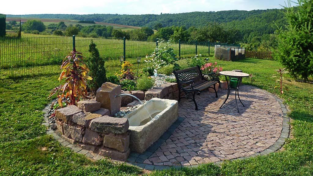 Gartenteich und Wasserspiele von Außengestaltung Vogt